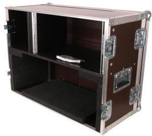 Double Door Amp Case mit 5HE Rackspace darüber nach rechts gezogen