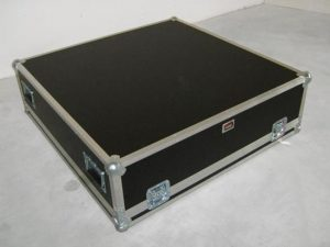 Flightcase Behringer MX8000 mit Metabridge