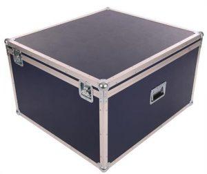 Truhe in navyblau mit 2cm Schaumpolsterung und den Innenmaßen 77x87x47cm